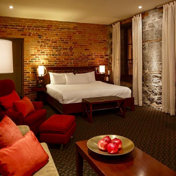 Jacuzzi Tub In Hotel Room Quebec City